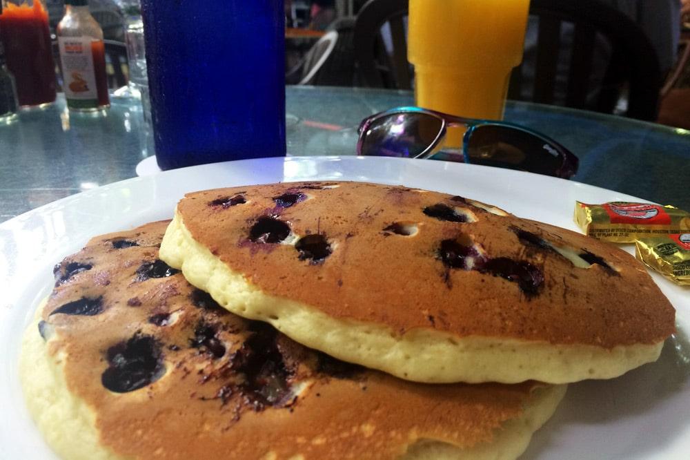 Florida Keys Roadtrip: Frühstück im Blue Heaven, Key West
