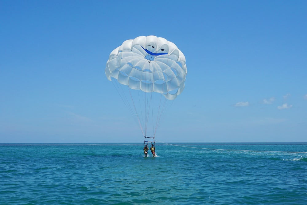 Florida Keys Roadtrip: Parasailing mit Fury Water Adventures
