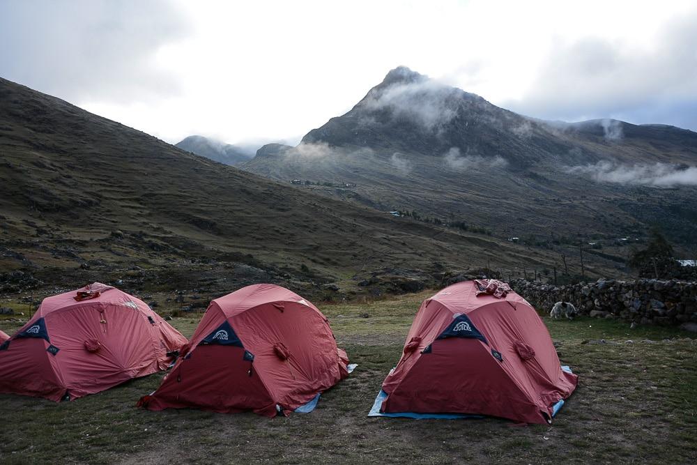 Lares Trek nach Machu Picchu: Tag 1 Campingplatz Cuncani