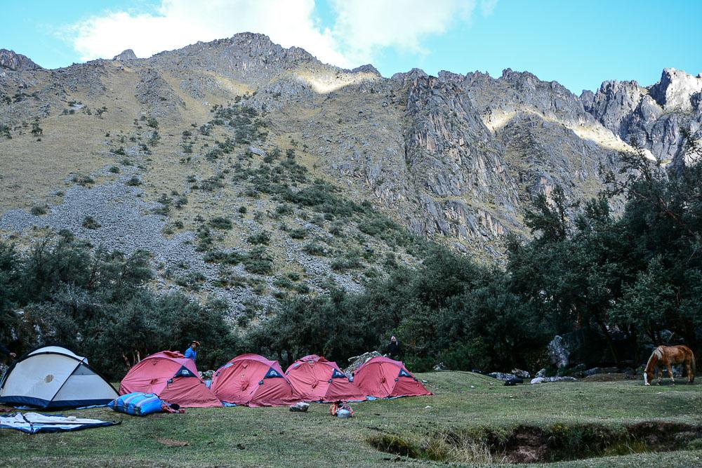 Lares Trek nach Machu Picchu: Tag 2 Trekking in Peru - zweites Camp Suttoq Paccaq
