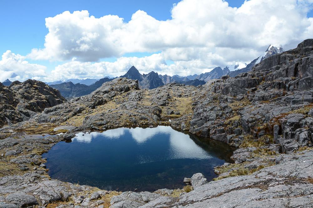Lares Trek nach Machu Picchu: Tag 2 Trekking in Peru Bergsee