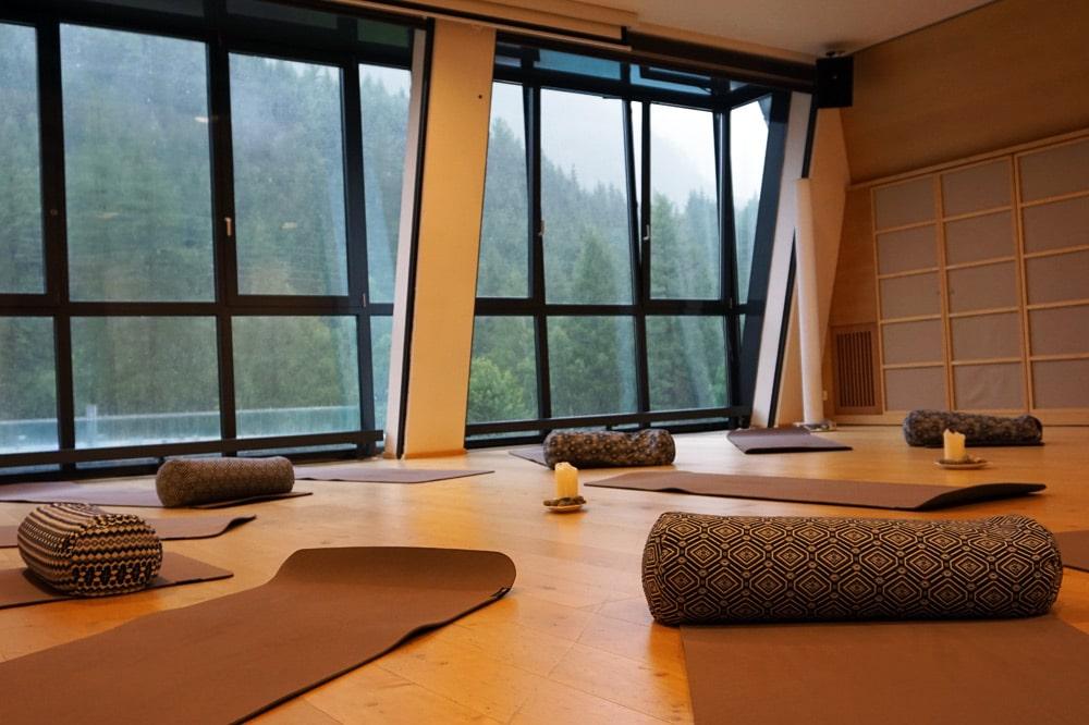 Aqua Dome Längenfeld Wellnesshotel und Thermenhotel - Sportangebot Yoga