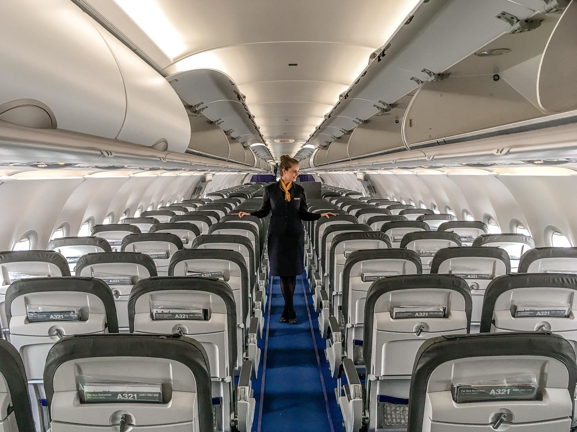Flugbegleiterin kennenlernen