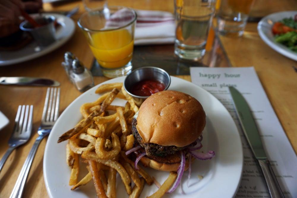 Sehenswürdigkeiten rund um Denver: Boulder - Leaf Vegetarien Restaurant