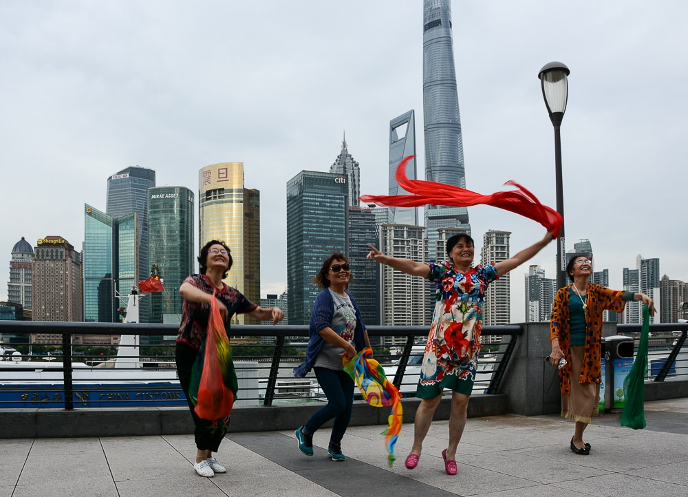 Shanghai The Bund - tanzende Frauen