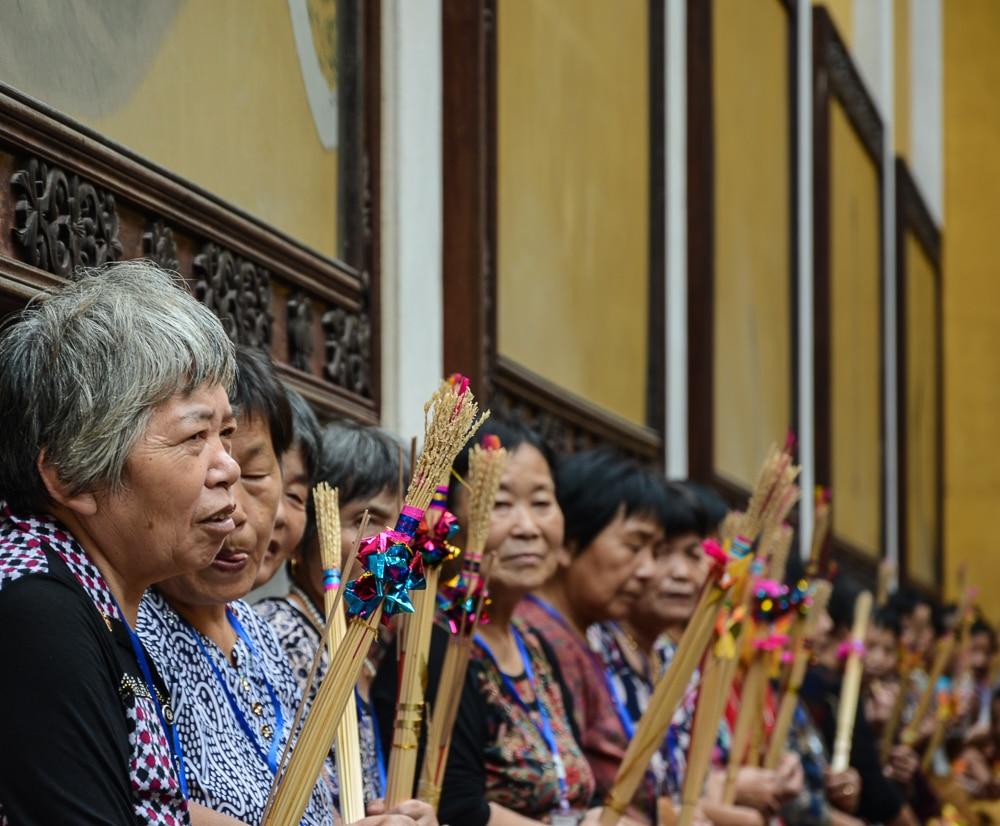 Hangzhou: Lingyin Tempel Singende Frauen