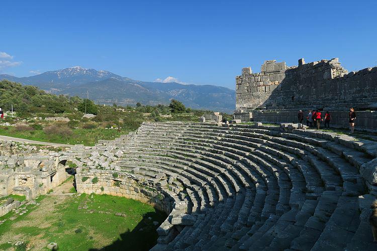 Lykische Küste: Xanthos, Xanthos Theater in Xanthos - die Hauptstadt einer der ersten Demokratien der Welt