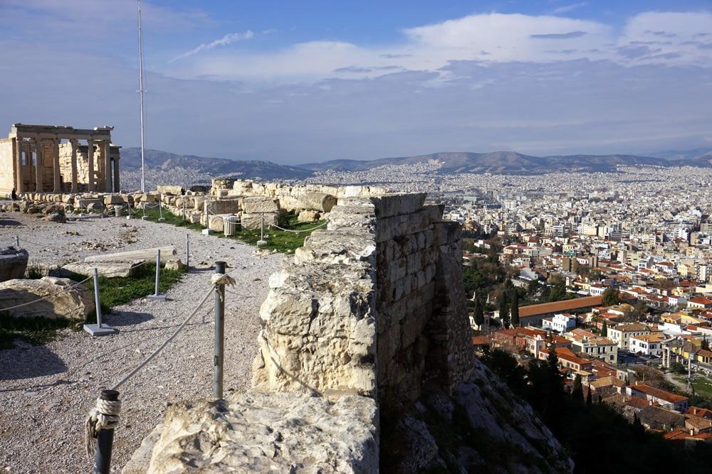 Athen Highlights: Aussicht von der Akropolis auf die Stadt
