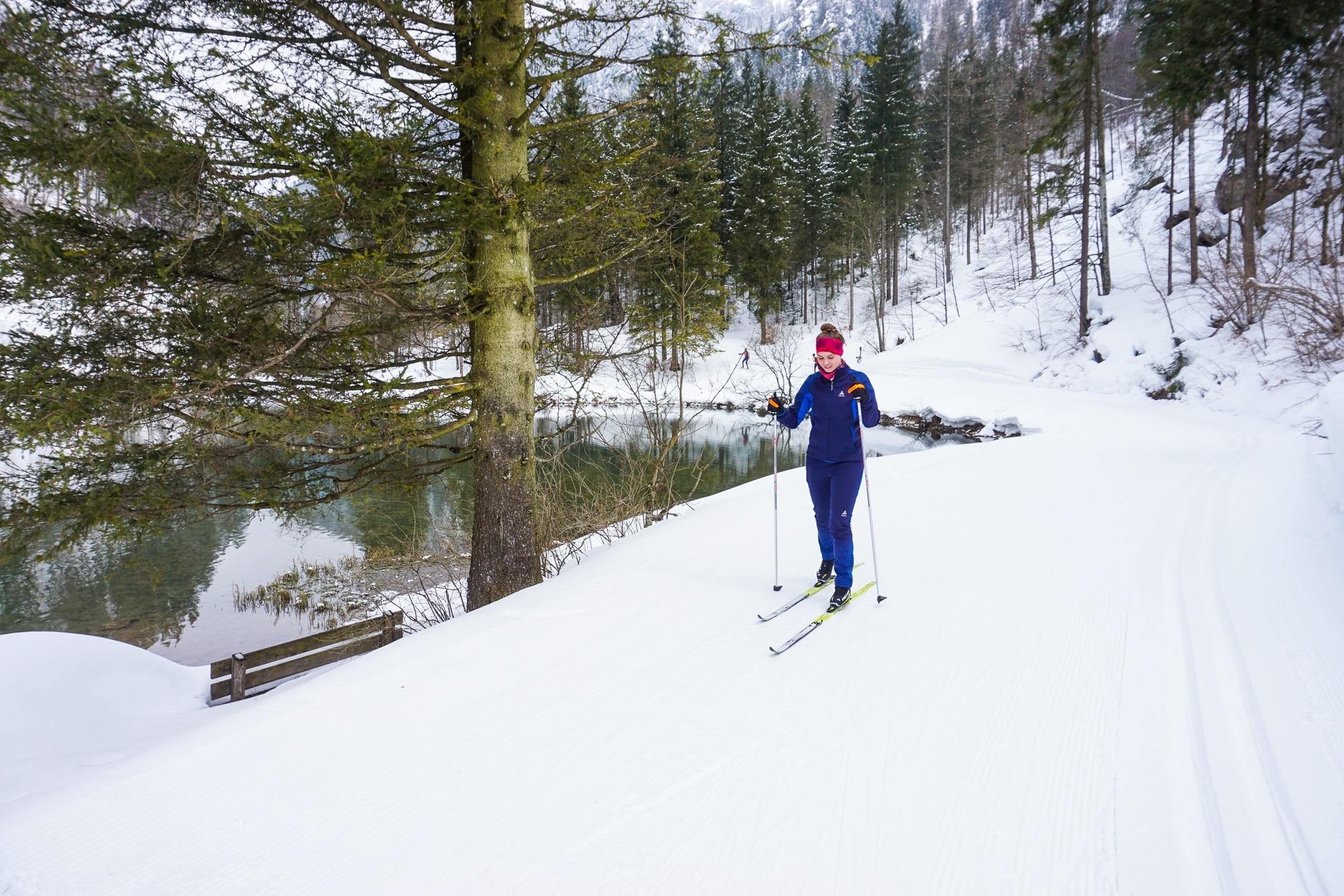 Langlauf lernen stand in diesem Jahr ganz hoch auf meiner Wunschliste. Beim Skilanglauf Urlaub in den Kitzbüheler Alpen habe ich nicht nur Langlauf klassisch sondern auch Skilanglauf Skating ausprobiert. Heute habe ich fünf Gründe für euch, warum ihr diesen coolen Wintersport einmal ausprobieren solltet.