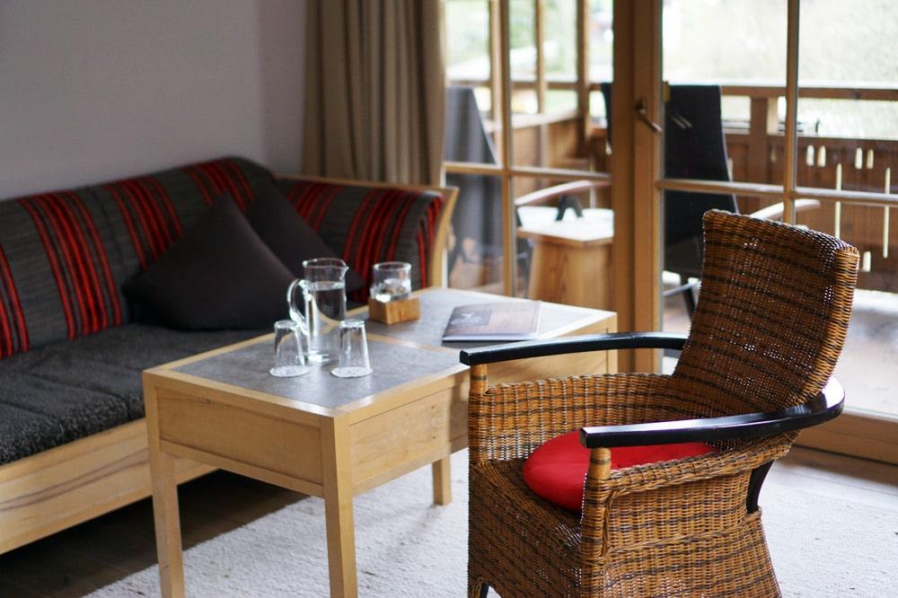 Berghotel Rehlegg Erfahrungsbericht: Sitzecke in der Junior Suite