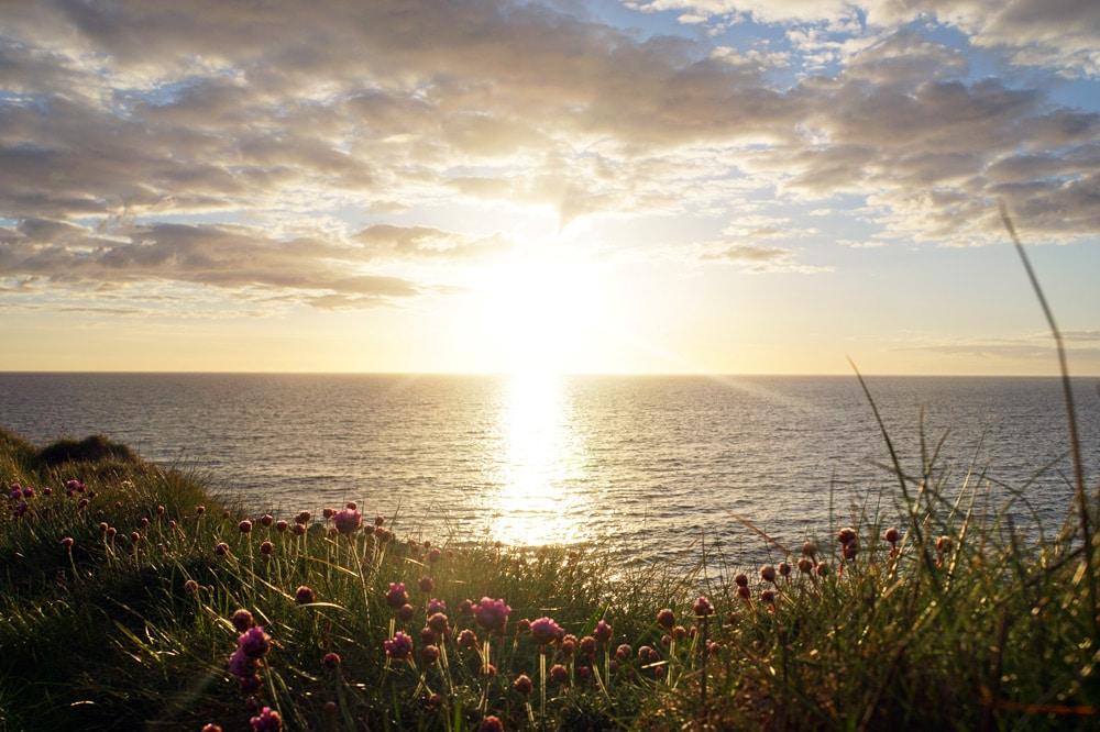Cottage mieten in Wales: Das Cable Cottage auf der Insel Anglesey mit eigenem Strand - Sonnenuntergang