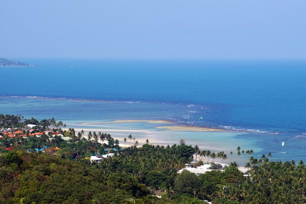 Koh Samui Sehenswürdigkeiten und Highlights: Ausblick auf den Natien Beach