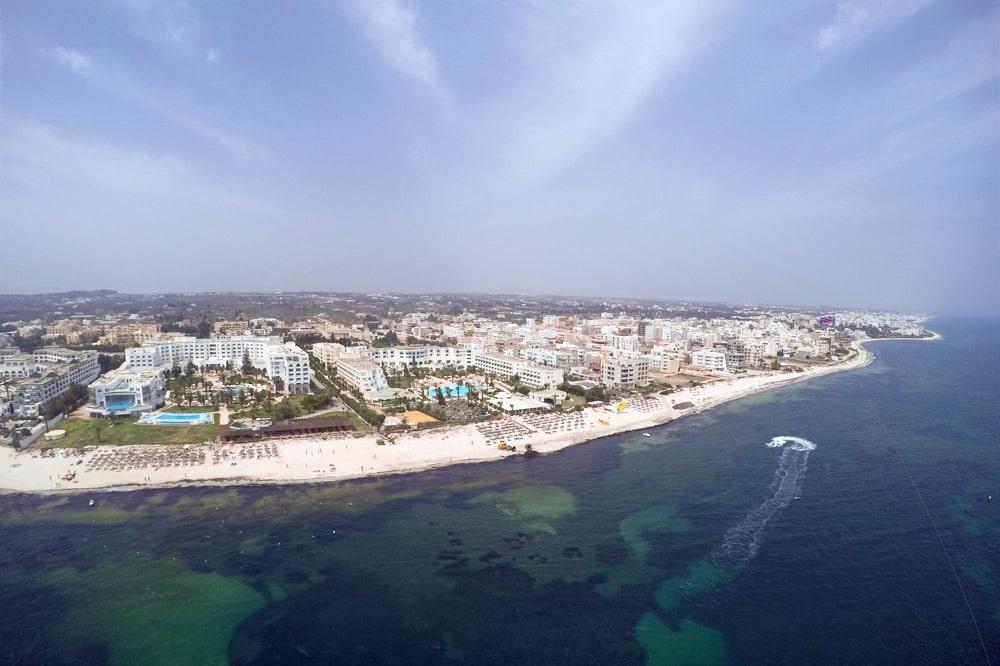 Tunesien: Parasailing im Hotel Royal Kenz Thalasso