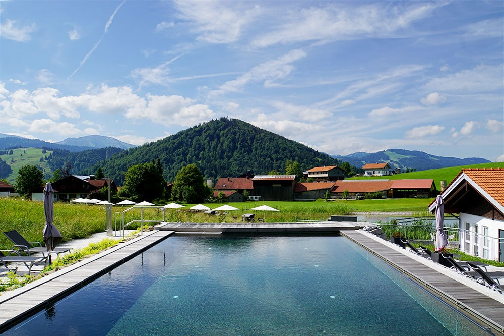 Haubers Naturresort: Meine Erfahrungen im Wellnesshotel im Allgäu - beheizter Außenpool