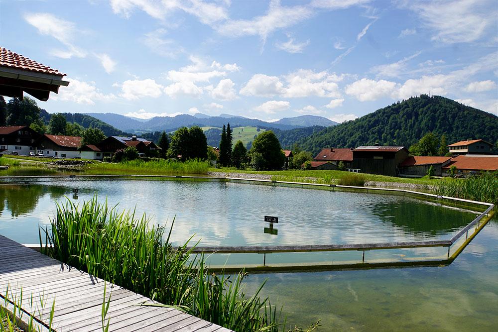 Haubers Naturresort: Meine Erfahrungen im Wellnesshotel im Allgäu - Natursee