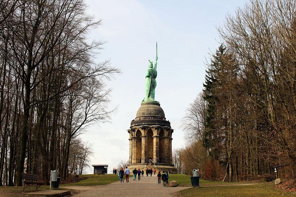 Teutoburger Wald und Bielefeld: Hermannsdenkmal