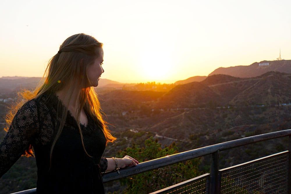 Griffith Observatory: Ausblick auf die Hollywood Hills und Los Angeles zum Sonnenuntergang