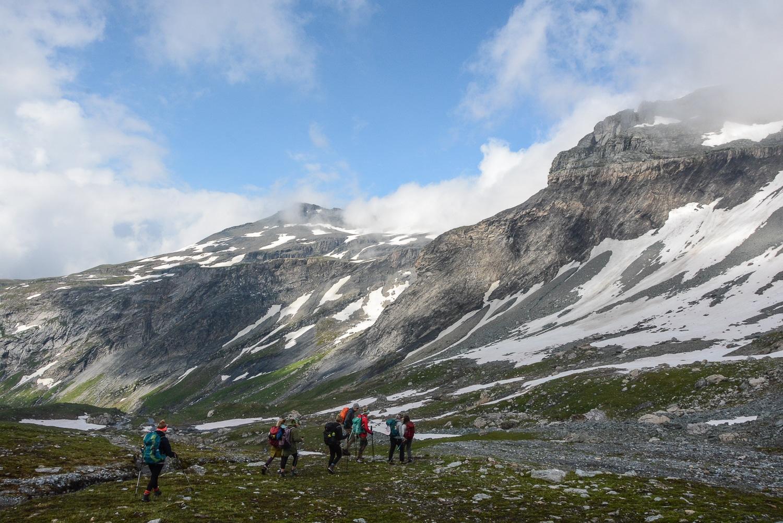 Flims und Laax, Bündner Berge: Wandern, Mountainbiken und Seen in der Schweiz - Wandern zur Mountain Lodge