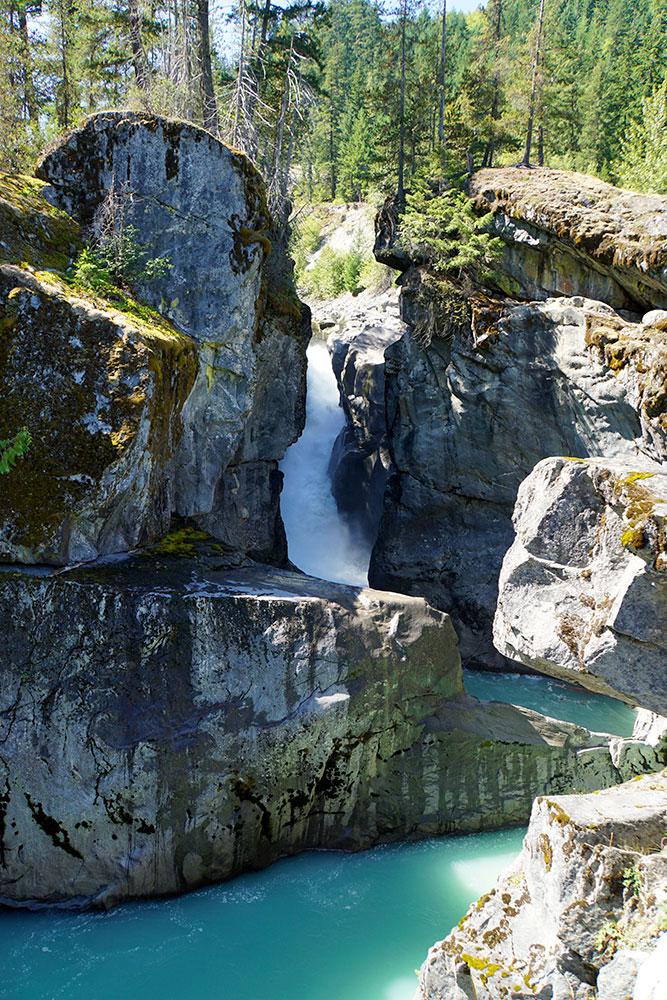 Kanada Rundreise: Highlights auf der Nationalparkroute von Vancouver nach Banff - Nairn Falls Provincial Park