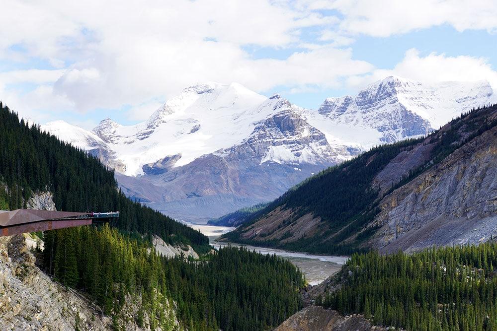 Jasper Nationalpark Top 10 Sehenswürdigkeiten: Das sind die Highlights im Park - Columbia Icefield Glacier Skywalk auf dem Icefields Parkway