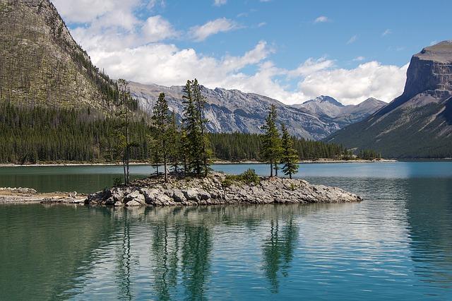 Highlights und Top Ten Sehenswürdigkeiten im Banff Nationalpark: Lake Minnewanka