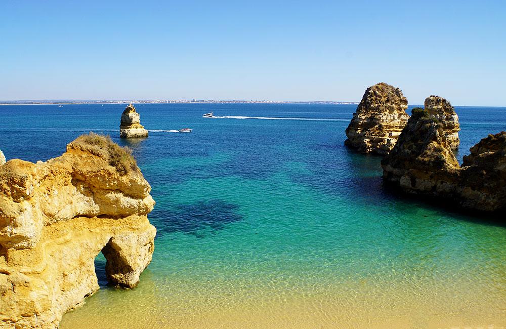 Algarve Top 10 Sehenswürdigkeiten: Highlights der schönsten Region in Portugal - Praia de Benagil
