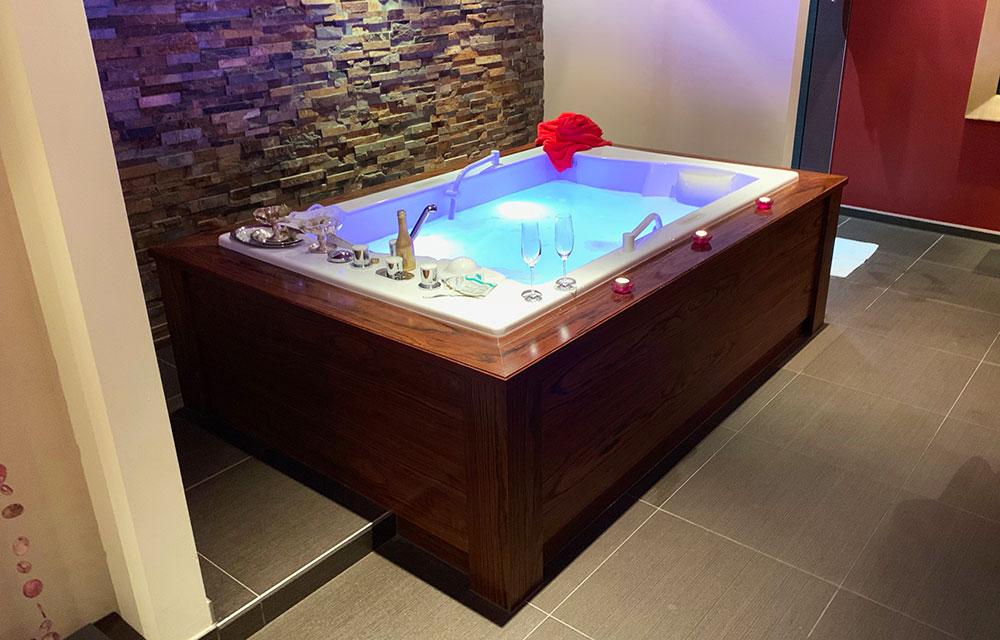 Hotel der Alpbacherhof: Meine Erfahrungen mit dem Wellnesshotel in Alpbach, Tirol - Spa für Paaranwendungen mit Whirlpool