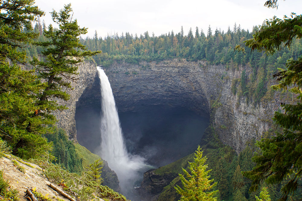 Wells Gray Provincial Park Sehenswürdigkeiten - die Highlights in British Columbia - Helmcken Falls