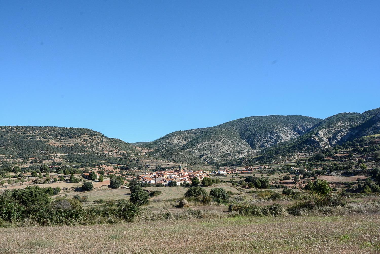 Valencia und seine Berge: Wandern im Hinterland - Parque Natural de la Puebla de San Miguel, Blick aufs Dorf