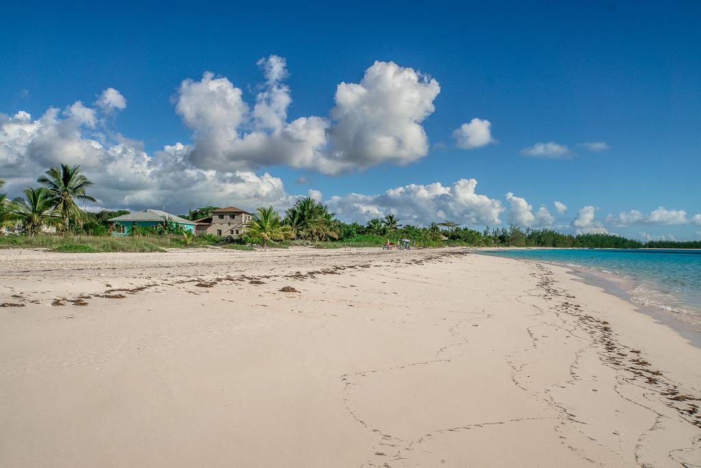 Top 10 Cat Island Sehenswürdigkeiten: Highlights und Strände der Bahamas Insel - Shannas Cove Beach Resort Strand