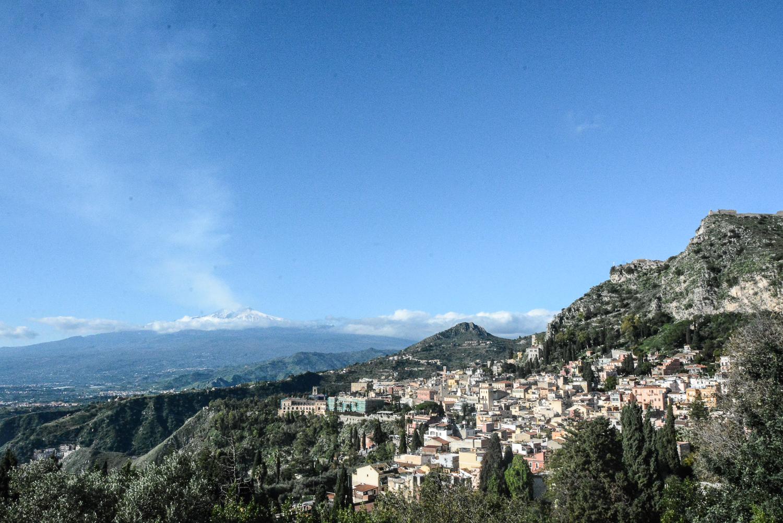 Taormina in Sizilien: Blick auf Taormina vom Teatro Greco