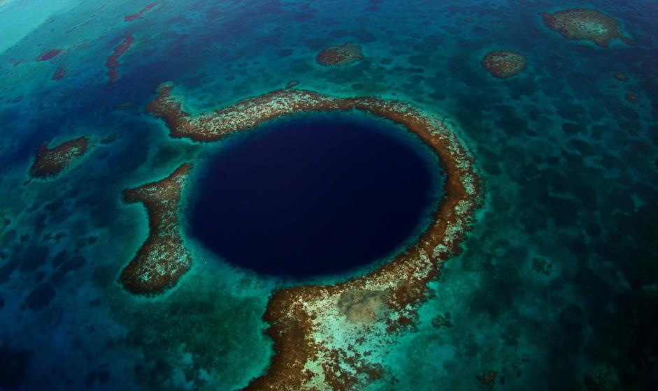 Blue Hole in Belize - Top 5 Belize Sehenswürdigkeiten