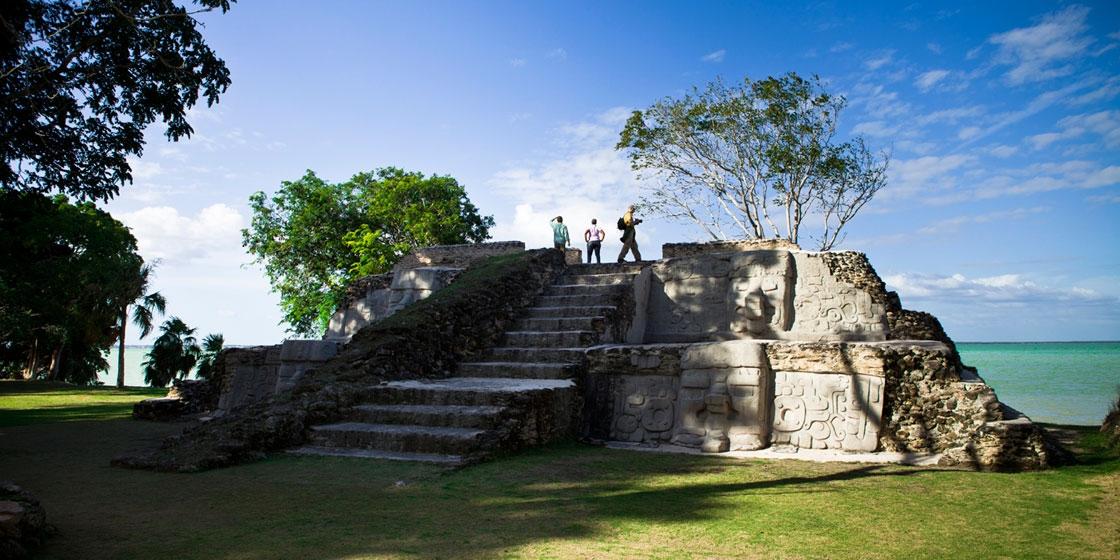 Die Maya Stätte Cerros - Top 5 Belize Sehenswürdigkeiten