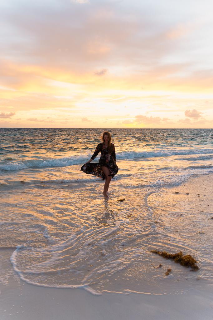 Kitesurfen auf den Bahamas: Cat Island und Greenwood Beach Resort Erfahrungen - Sonnenaufgang am Strand