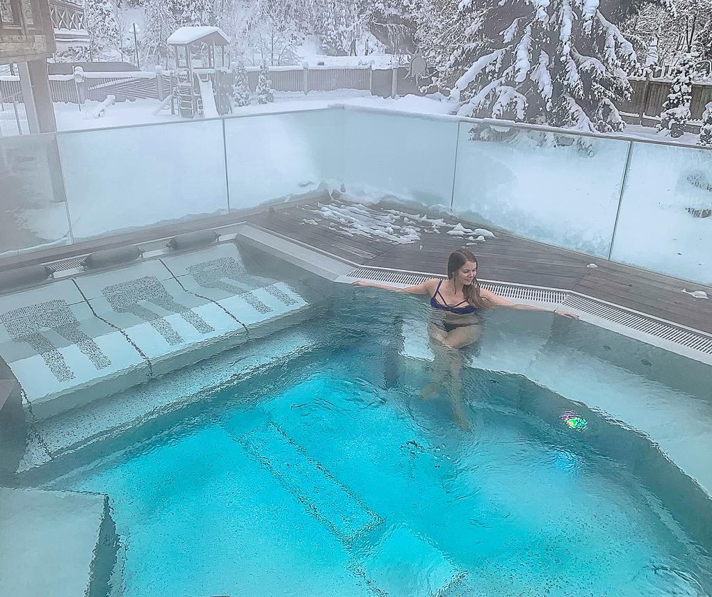Hotel DIE SONNE: Meine Erfahrungen beim Skifahren und Wellness in Saalbach - Whirlpool
