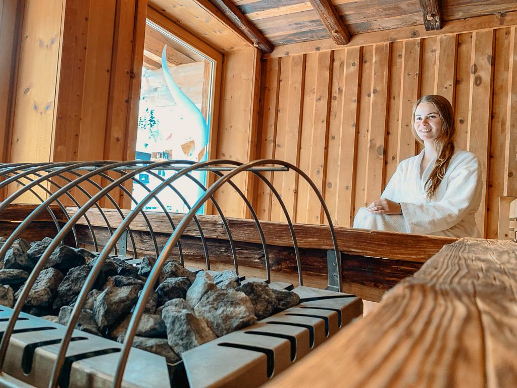 Hotel DIE SONNE: Meine Erfahrungen beim Skifahren und Wellness in Saalbach - Sauna im Spabereich