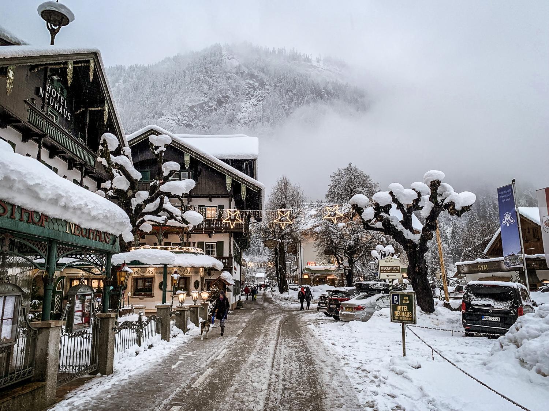 Zillertal Skiurlaub: Schönste Skigebiete, Hütten und Aktivitäten für den Winterurlaub - Mayrhofen Schneechaos 2019