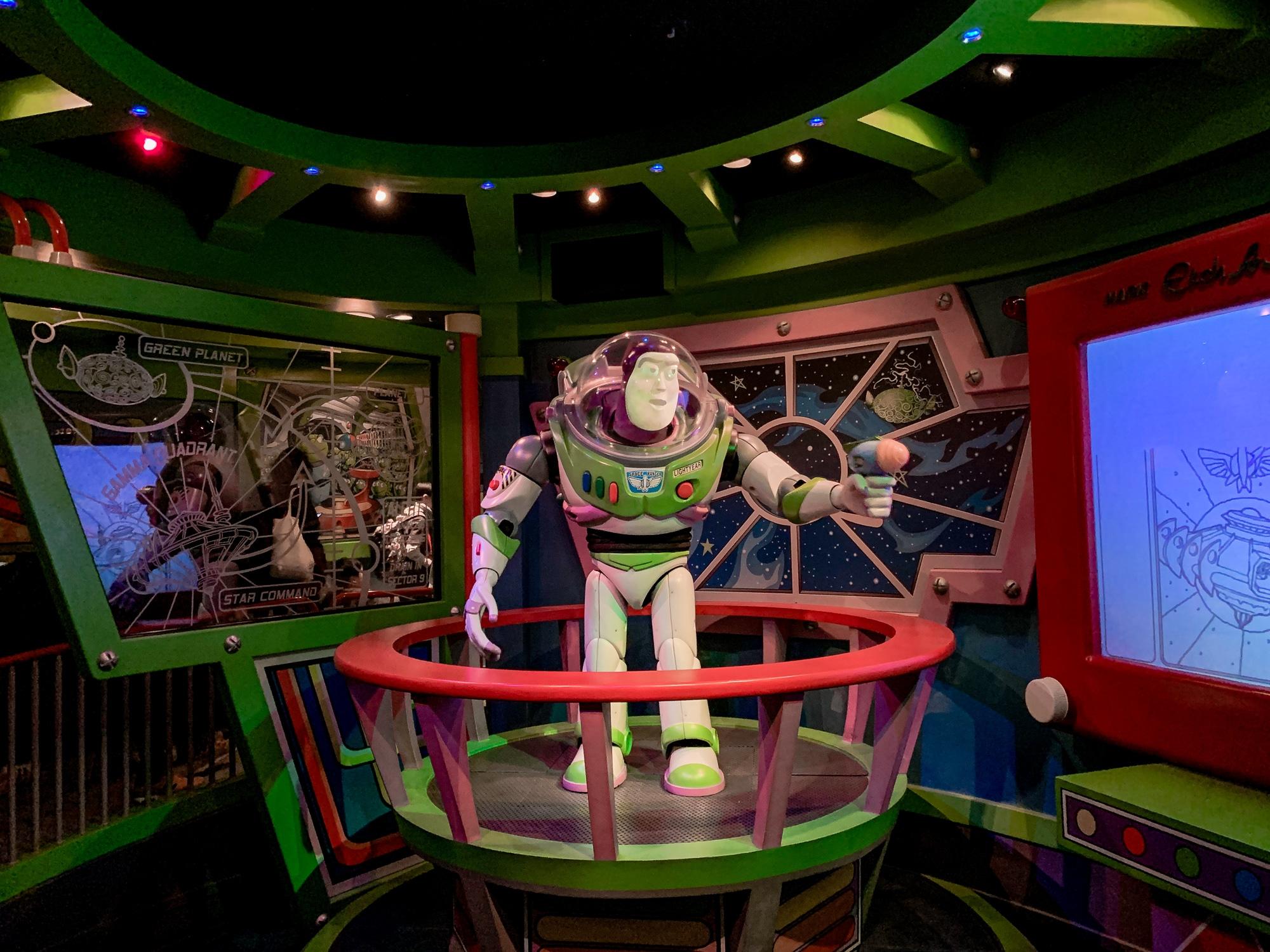 Disneyland Tokio: Meine Erfahrungen, Attraktionen und Highlights im Park - Buzz Lightyear's Astro Blasters