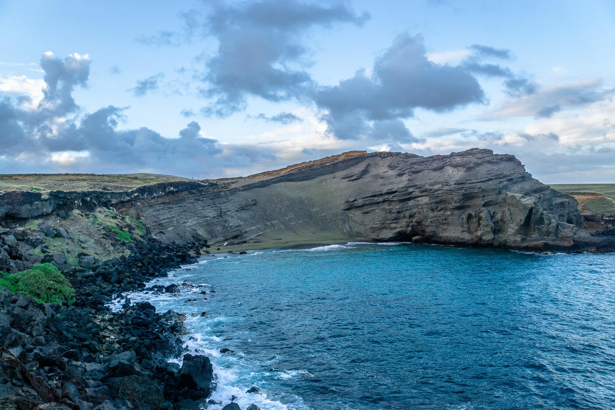 Schönste Strände auf Big Island: 6 Traumstrände für eure Hawaii Reise - Green Sand Beach Papakolea
