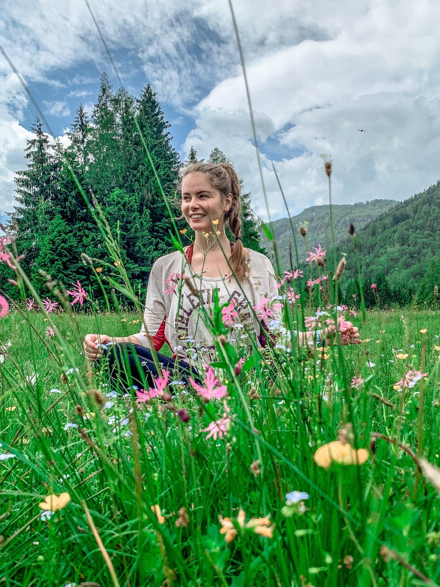 BergeSeen Trail: Erfahrungen auf der Weitwanderung im Salzkammergut - Etappe 3, Blumenwiese