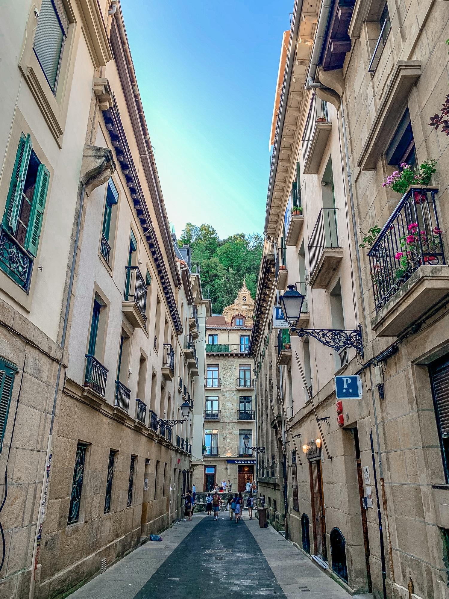 San Sebastián Sehenswürdigkeiten: Tipps für einen Donostia Tagesausflug - Altstadt