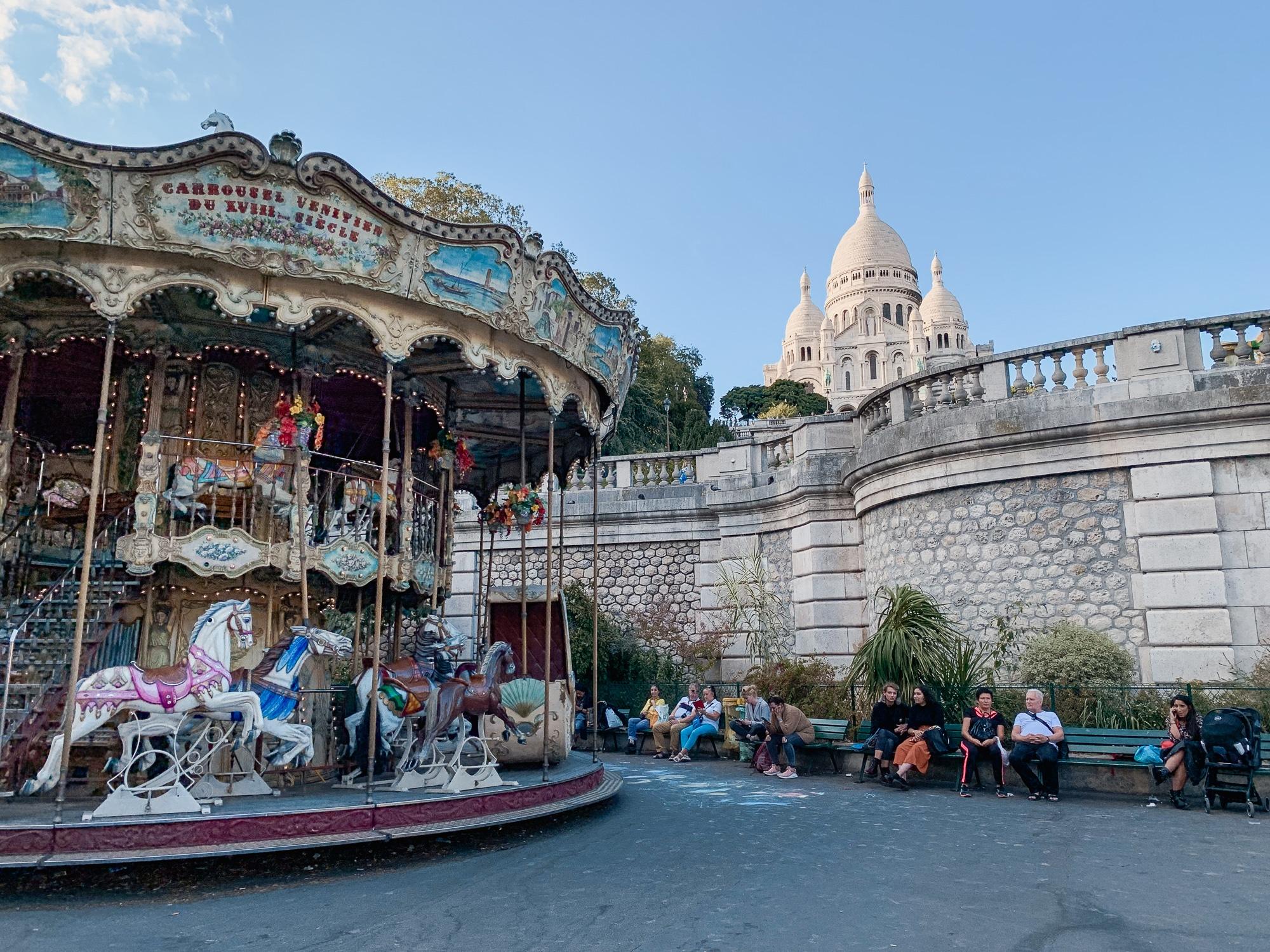 Schönste Fotospots in Paris - und meine liebsten Instagram Hotspots - Montmartre Sacre Coeur und Karussell