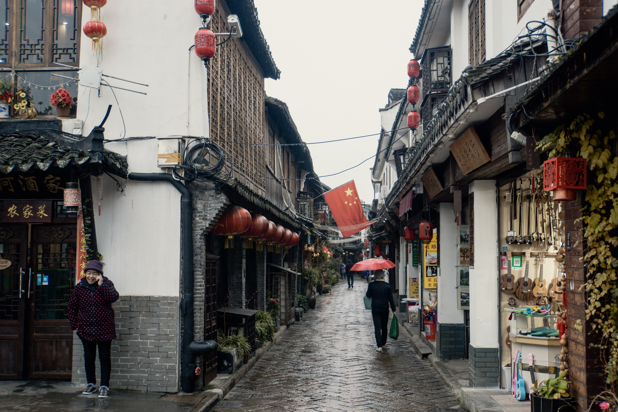 Zhujiajiao Tagesausflug: Tipps für die Wasserstadt bei Shanghai - Gassen
