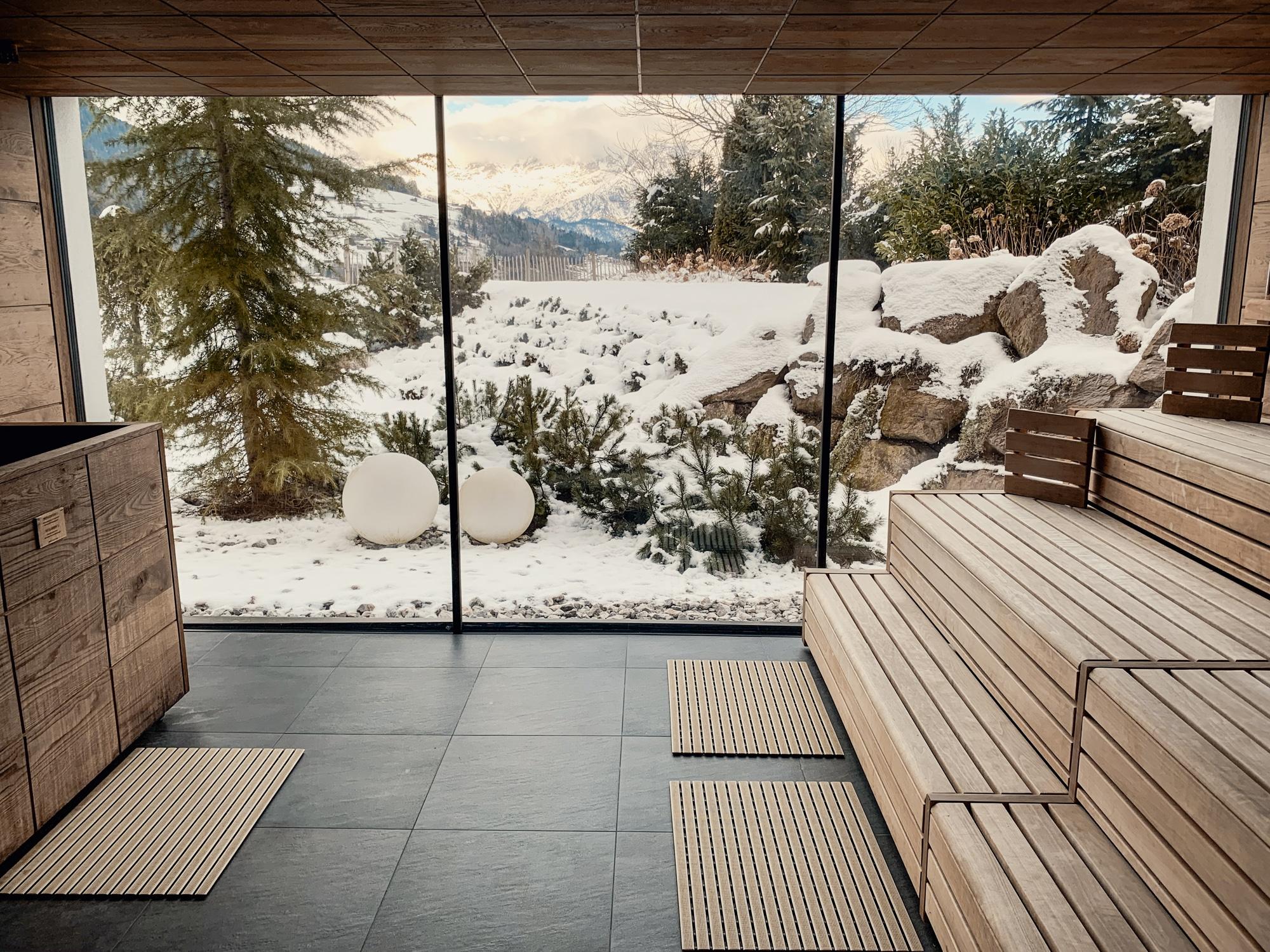 Puradies Leogang: Das Wellnesshotel und Skihotel direkt an der Piste - Spa mit Sauna