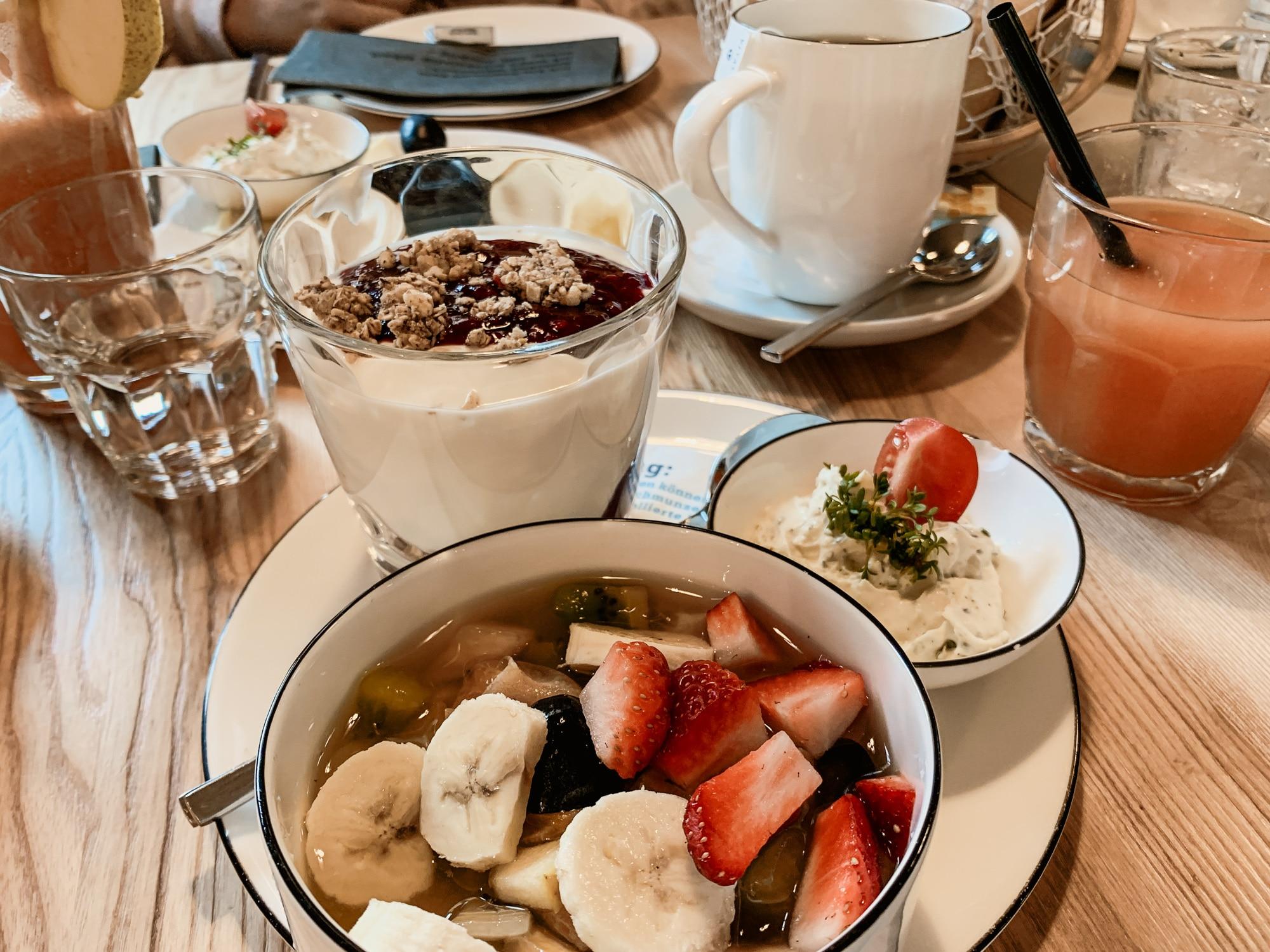 Lana, Südtirol: Winterurlaub mit Skifahren, Wellness und leckerem Essen - Frühstück Mein Beck