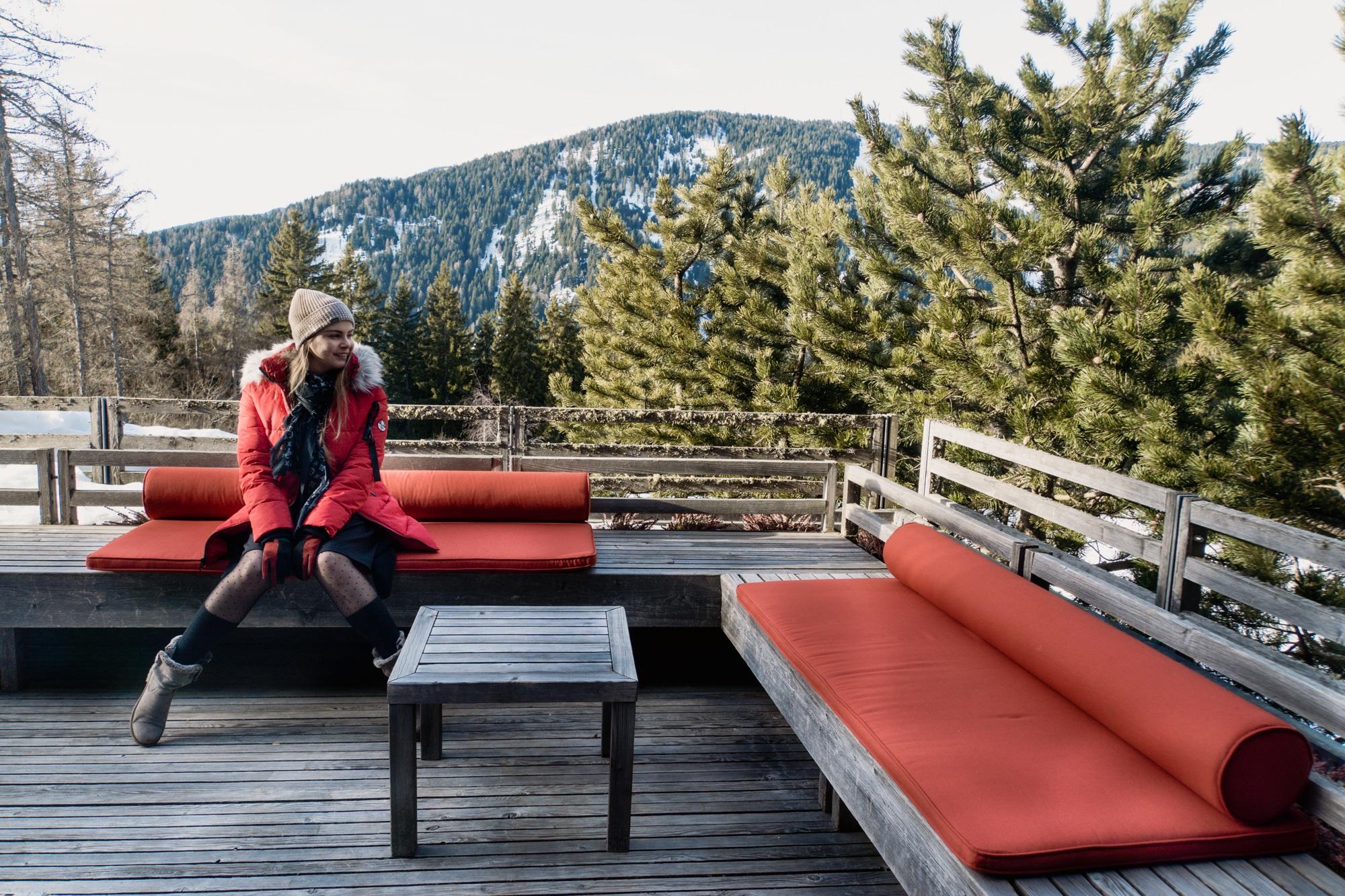 Lana, Südtirol: Winterurlaub mit Skifahren, Wellness und leckerem Essen - Vigilius Mountain Resort -Terrasse