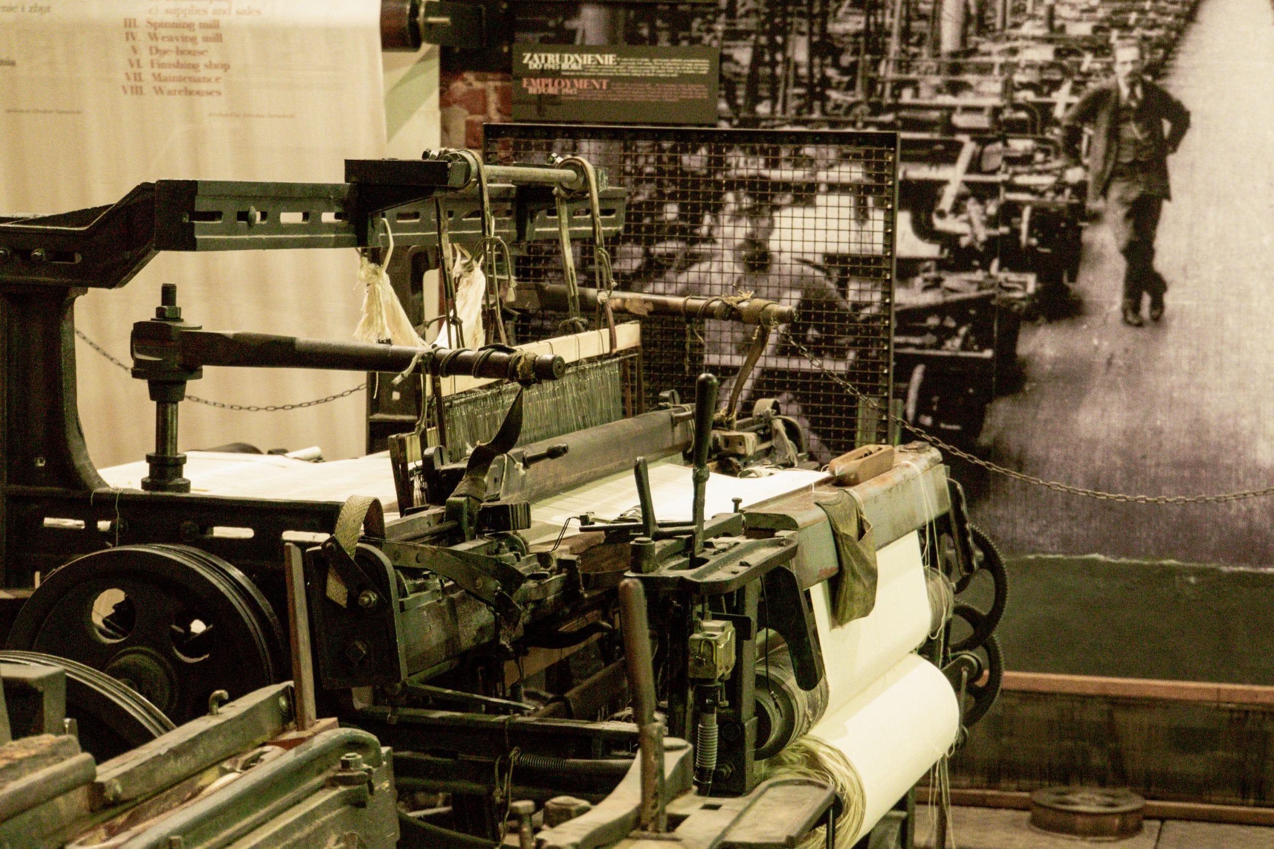 Lodz Top Ten Sehenswürdigkeiten - Highlights für euren Städtetrip in Polen - Israel Poznanski Fabrikmuseum Webstuhl