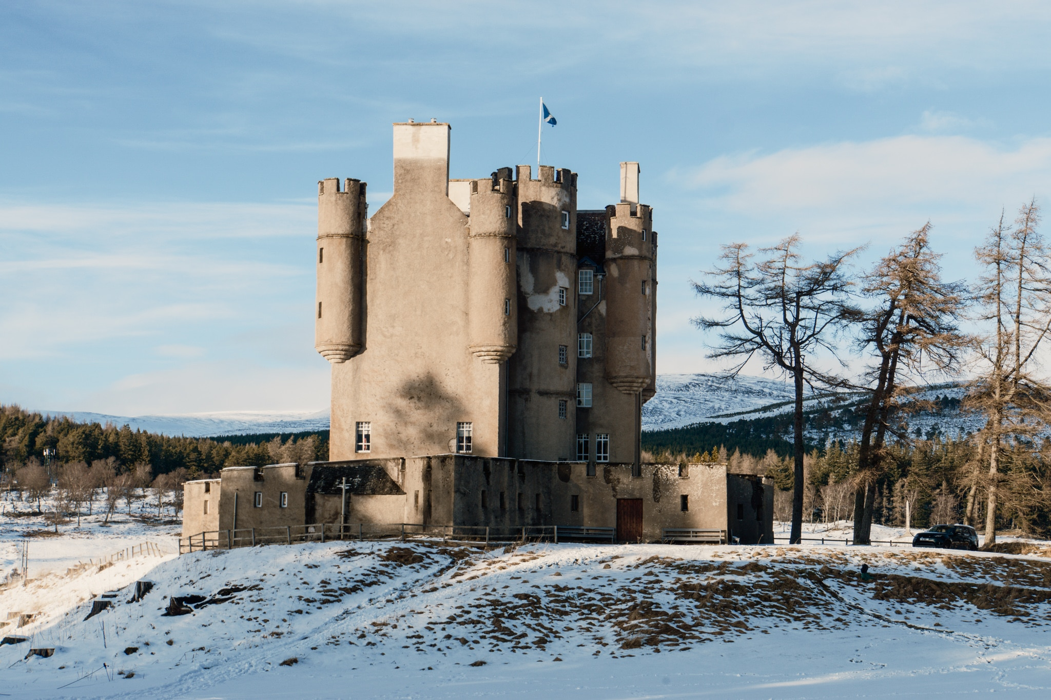 Cairngorms Nationalpark: Die SnowRoads Scenic Route in den Highlands - Braemar Castle