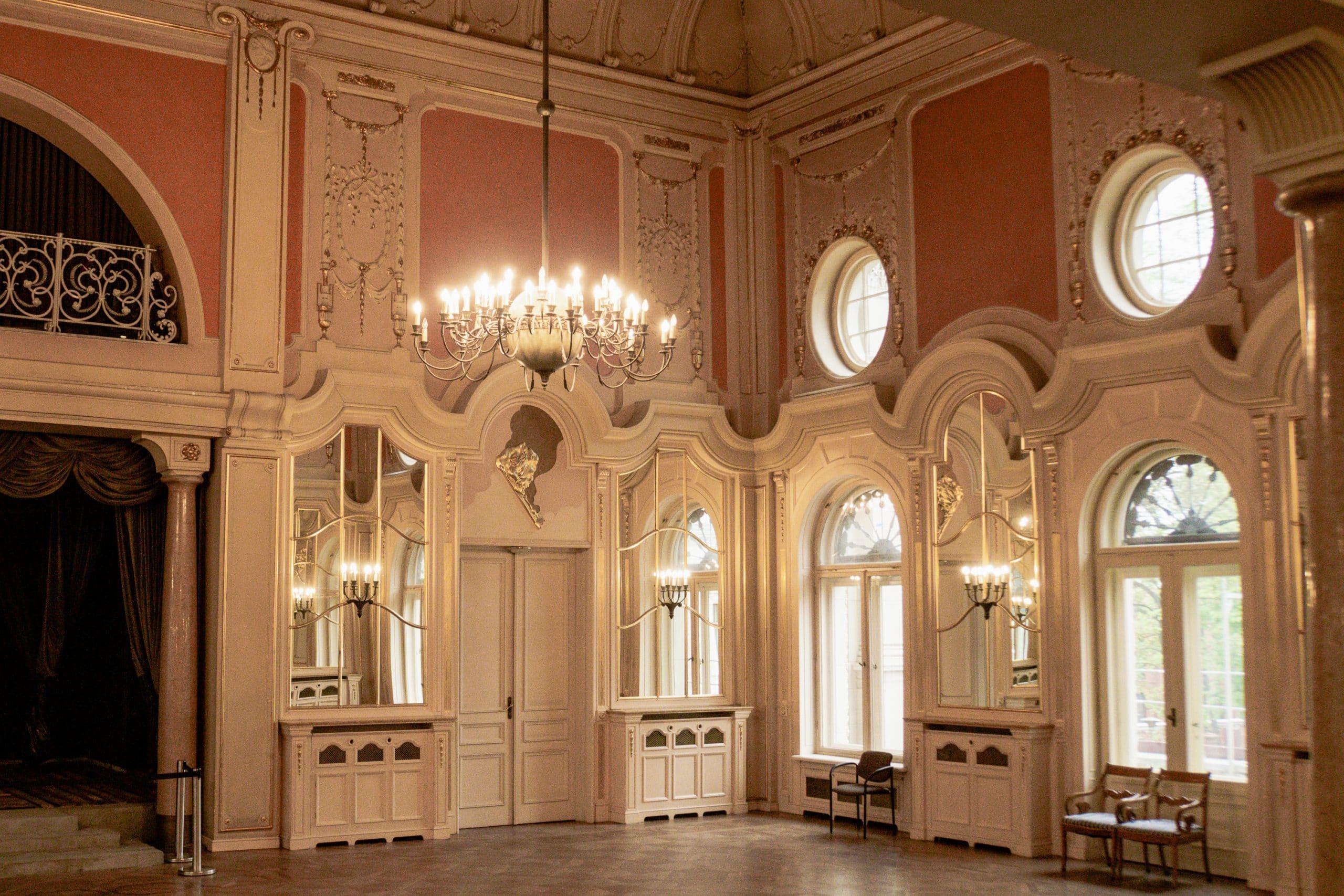 Lodz Top Ten Sehenswürdigkeiten - Highlights für euren Städtetrip in Polen - Israel Poznanski Palast