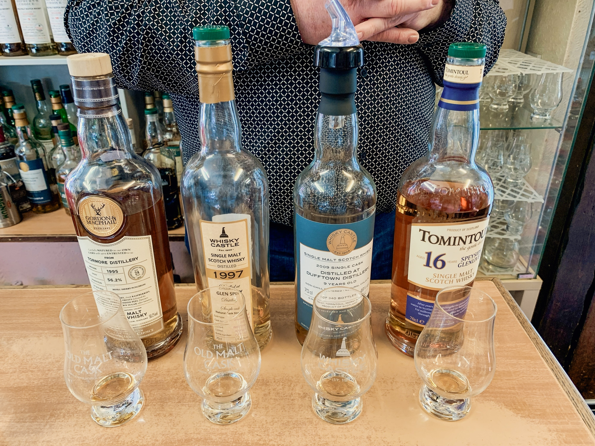 Whisky Verkostung in Schottland: Tipps fürs Whisky Tasting in 4 Schritten - Whisky Castle in Tomintoul